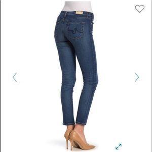 A G The Stilt Crop Cigarette Crop Medium Wash Jean